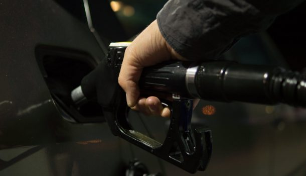 GAS PRICES DIP FOR WEEKEND