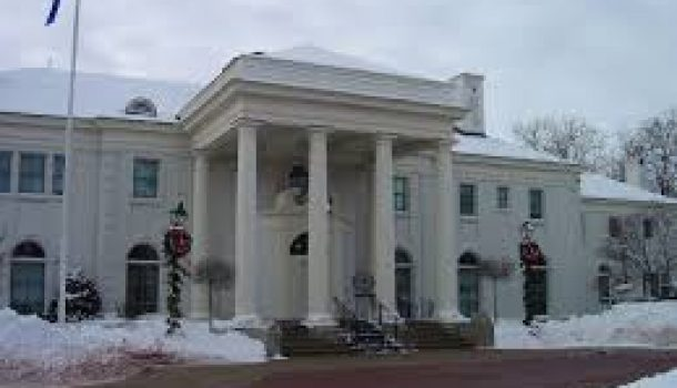 LOCAL BUSINESS OWNER TO DECORATE GOVERNORS MANSION