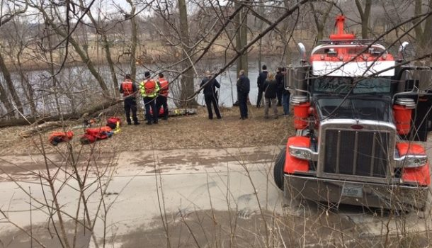 UPDATE: CAR REMOVED FROM RIVER